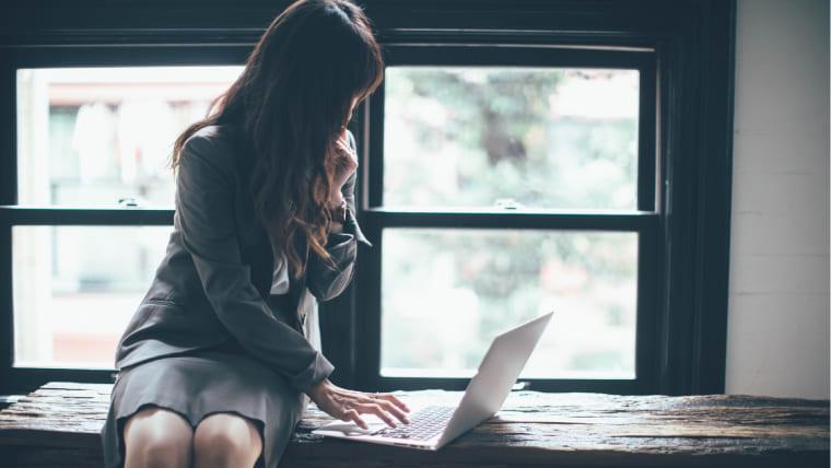 会社のパソコン(PC)で転職活動をこっそりやったらバレるのか?私的利用しても大丈夫??